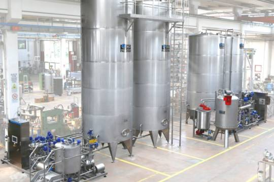 Premix and Syrup room for juice, soft drinks and nectars 226 - Storcan International